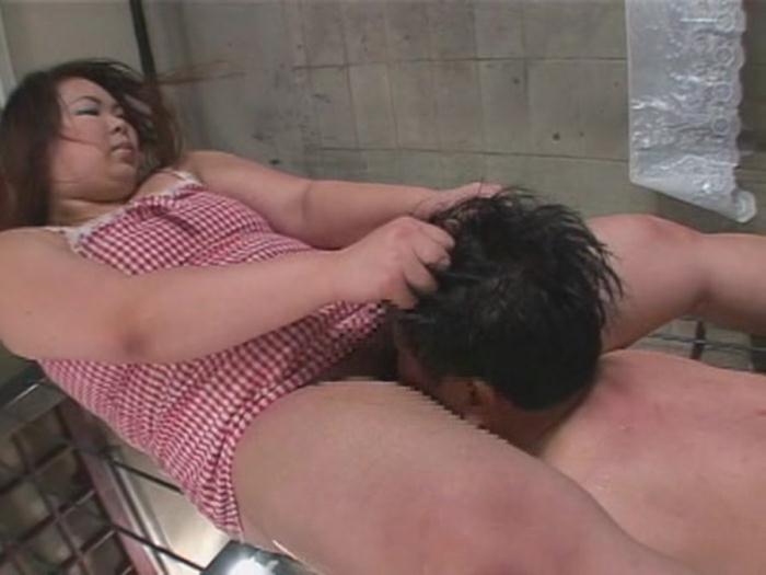 Remy - [MANJ-04] Fat Women Scat - (2017 / YAPOO'S MARKET) [DVDRip / 1007 MB]