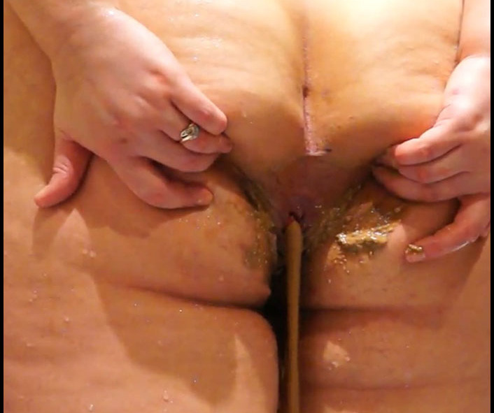 ScatLilSecret - Thick girl smeared by shit (Scat, Shit, Poo)  [FullHD 1080p]