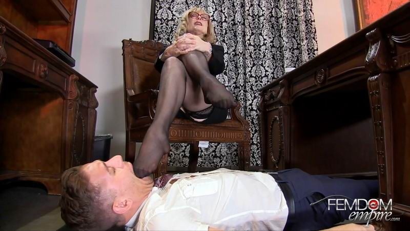 FemdomEmpire: (Nina Hartley) - My Male Secretary [FullHD / 637 MB]