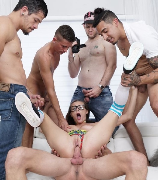 HussieAuditions: Carolina Sweets - Carolina Sweets Gets Messy in Her First Gangbang - (HD/720p/1.14 Gb)