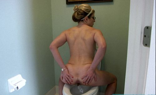 Molly Jane - Cory ChaseIin My Only (Dump Toilet, Solo, Scat)  [FullHD 1080p]