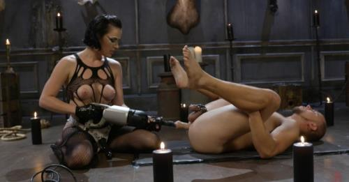 Vagina Dentata: Olive Glass Unleashes Her Perfect Cunt Onto Slave Meat - Olive Glass, Eli Hunter (SiteRip/Kink/HD720p)