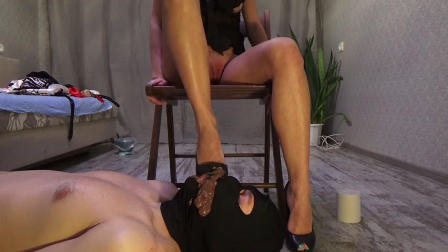 Mistress Emily - Scat fusion (Femdom Scat / Foot Fetish) - YezzClips [FullHD 1080p]