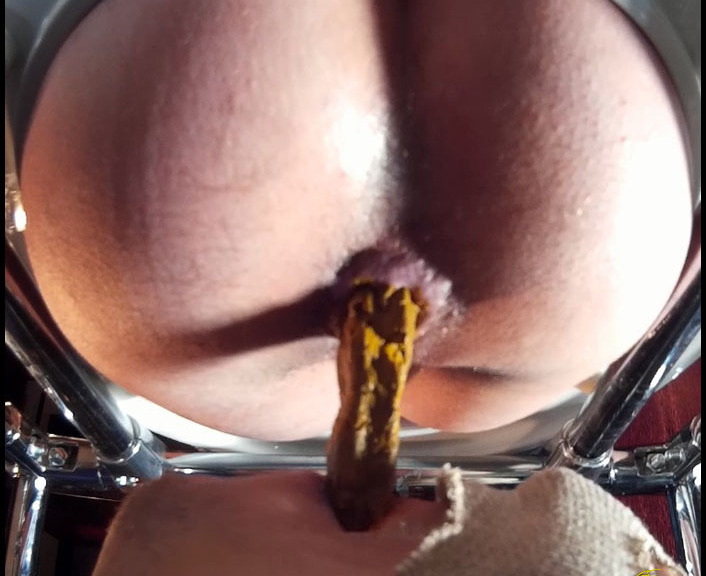 Mistress Gina - Beautiful video Scat! (Poopping, Big pile, Scat)  [FullHD 1080p]