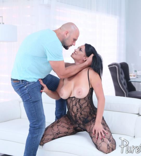 Cristal Caraballo - Passion and Lace (Big tit) - PureMature-Год производства: 2017 г.   [SD 480p]