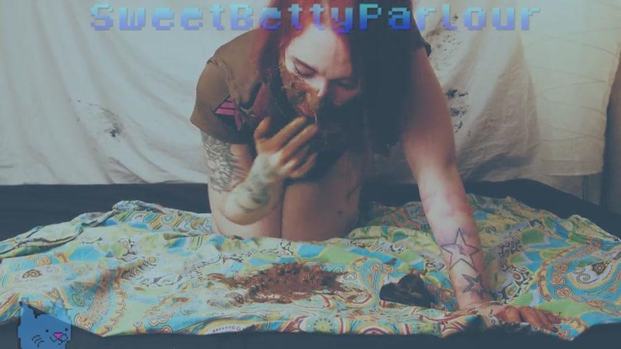 SweetBettyParlour - Code Name Lalka Ibanaya (Russian Scat / Solo) - Scatology [HD 720p]