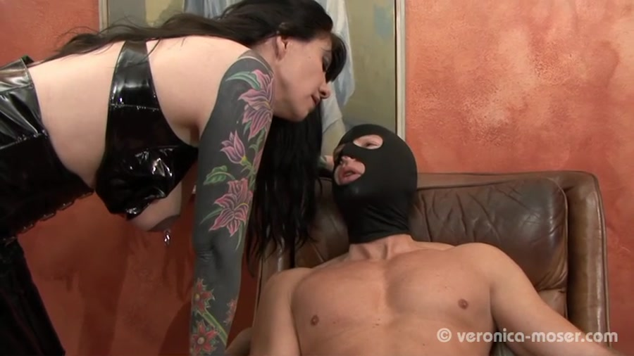 Scatting - Veronica Moser - The Bitch (Germany, Femdom Scat, Shitting) [SD / 63.4 MB]