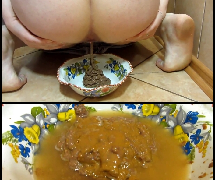 KassianeArquetti - Scat and pissing in a bowl for you! Food is for you (Solo Scat)  [FullHD 1080p]