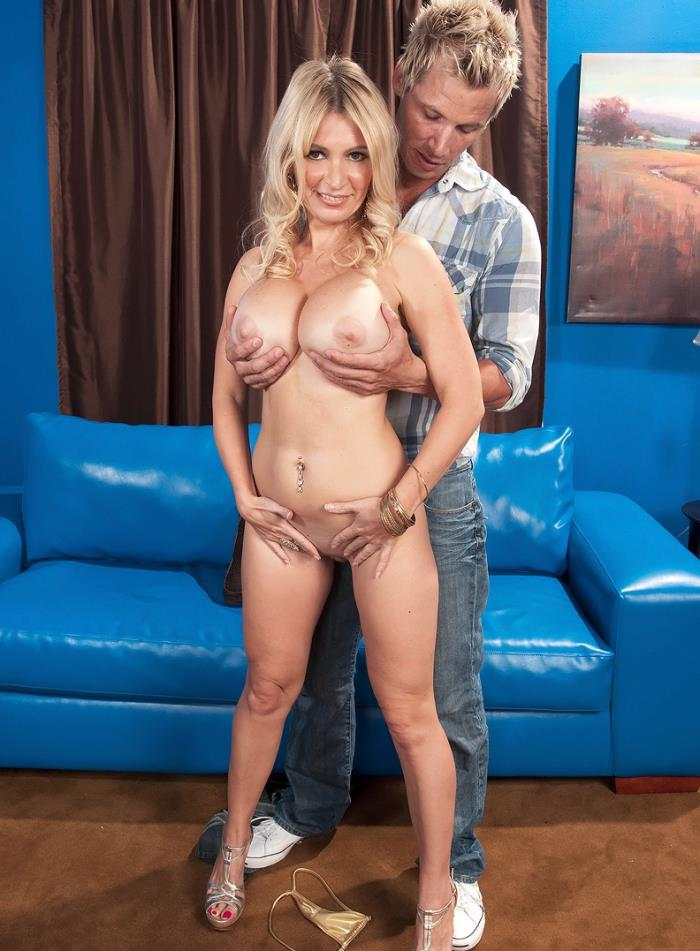 Ingrid Swenson - How Busty Blondes Get More Cum (Big Tits, Big Boobs) - Scoreland/PornMegaLoad [HD 720p]