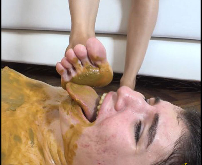 Silvia - First Scarlet's Scat Session (Poopping, Shitting, Big pile, Scat)  [SD]