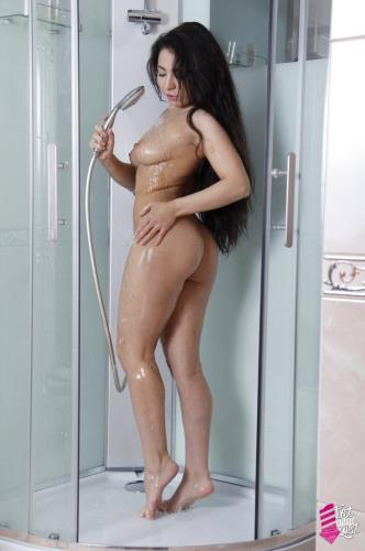 Little Randy gets her first anal sex after shower! - Little Randy (SiteRip/FirstAnalQuest/SD480p)