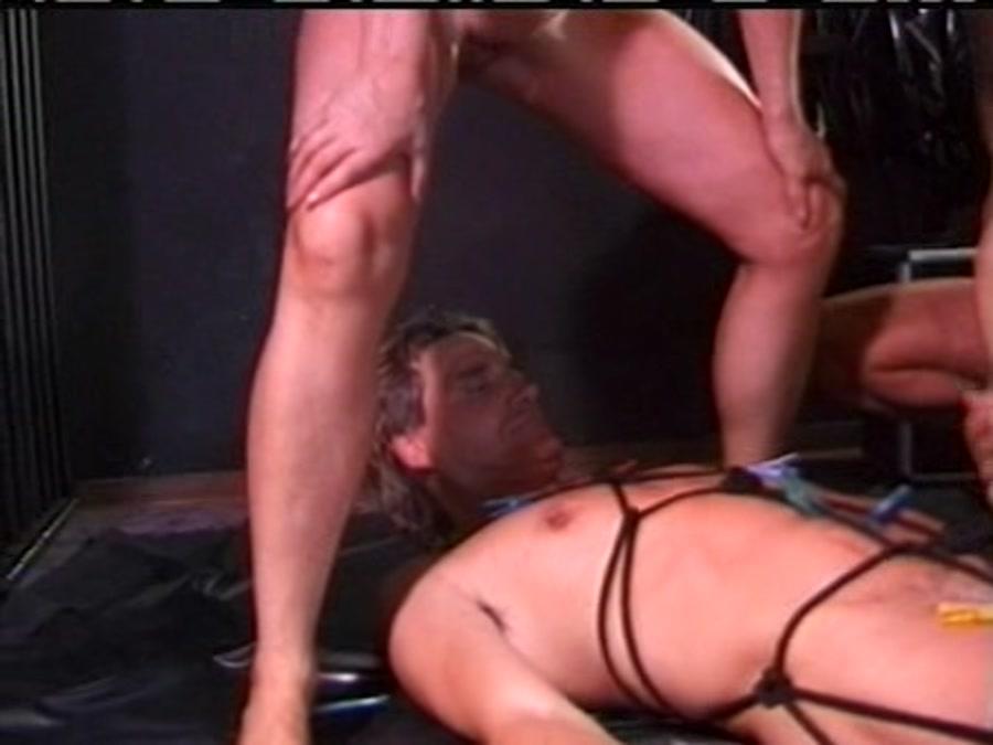 Emma - Kaviar Amateur 17 (Scat / Amateur BDSM) - SG Video [DVDRip]