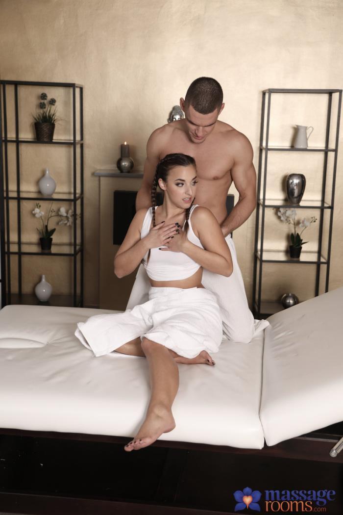 MassageRooms / SexyHub: Amirah Adara - Bubble butt brunette beauty fucked  [SD 480p] (268.76 Mb)