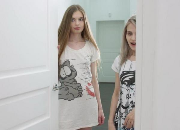 Suzie - Two Skinny Babes Dont Mind Sharing (2017/FullHD)