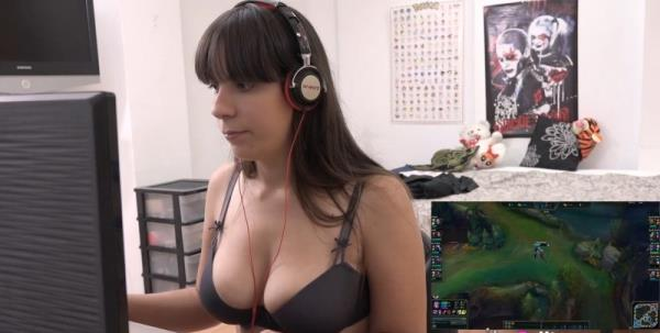 Nefry92 - Professional LoL streamer, youtuber and now FILMING PORN. Nefry92, wish she was our girlfriend. (2017/FullHD)