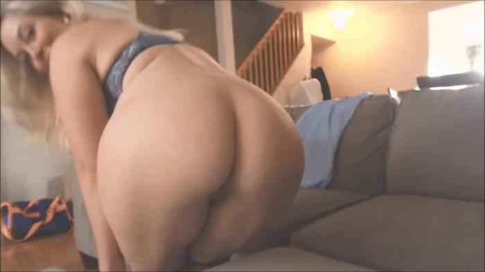 ManyVids.com - Missbehavin26 - Watch tv with ur mom while dads in bed [SD, 480p]