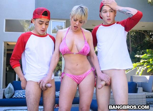 MomIsHorny, BangBros - Dee Williams - Baseball Practice Turns Into A Wild Threesome [SD, 480p]