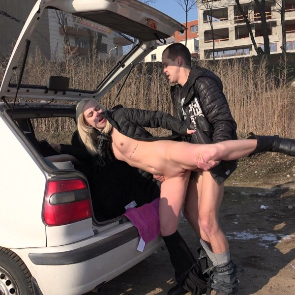 CzechHitchhikers.com/PornCZ.com: - Nikka - - Slutty blonde fucked in the mud (2017) HD - 720p