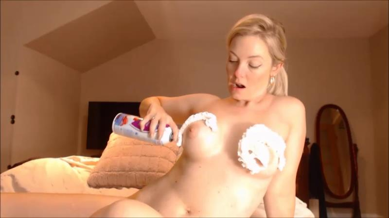 Missbehavin26 - Suck On ur Mom's Breast Milk [ManyVids / SD]