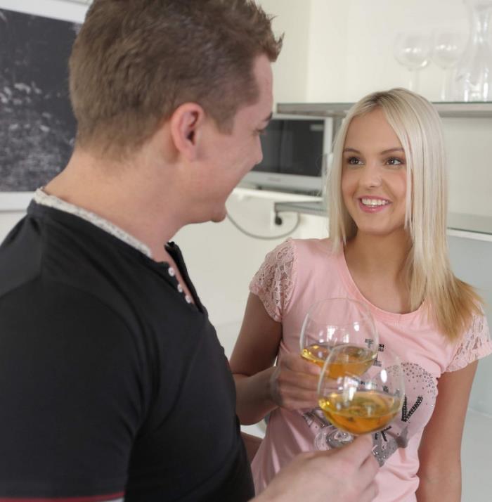 Anal-Beauty / TeenMegaWorld: Joleyn Burst - Thick Cock Anal  (FullHD/1080p/1.74 Gb)