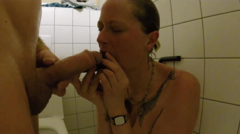 ScatSusan - Shit snack on the sauna loo (Amateurs Scat, Domination) Scat Sex [FullHD 1080p]