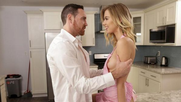 Haley Reed - Seducing Daddy (DaddysLilAngel, Nubiles-Porn/540p/309 MB)