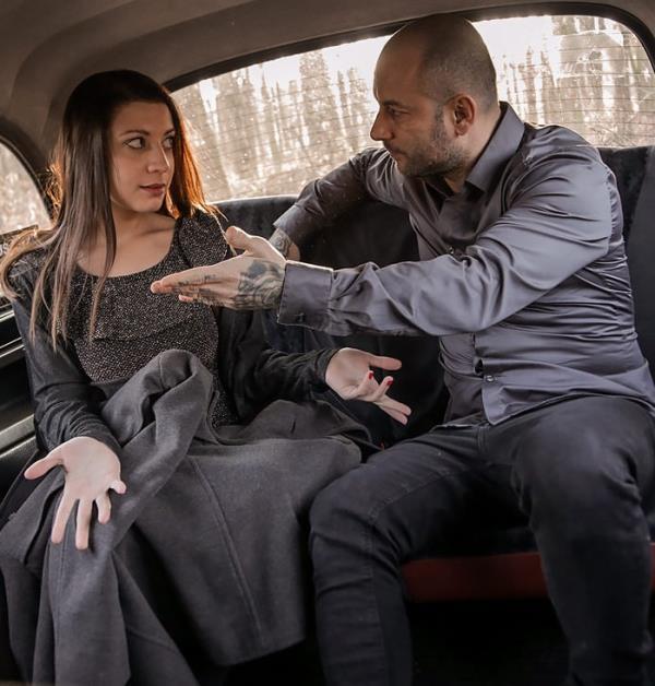 Therese Bizarre - Hot horny minx craves taxi cab sex (FemaleFakeTaxi) - [HD 720p]