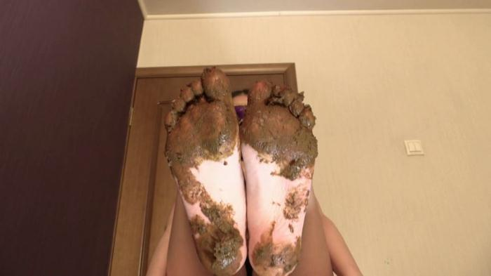 Foot Scat - Princess Mia - Mia Pov Foot smearing Scat with Princess Mia and toilet slave (FullHD 1080p)
