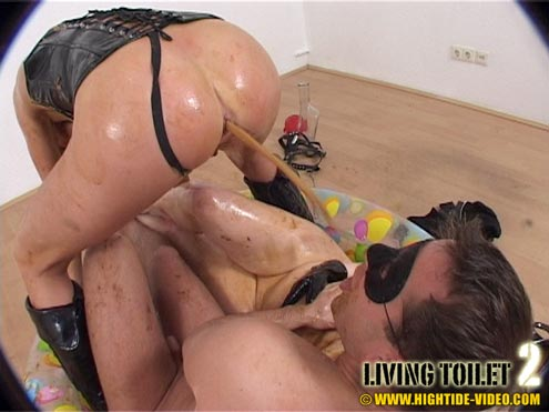 Hightide-Video.com - Susan, Lara, Marc - LIVING TOILET 2 (DVDRip)