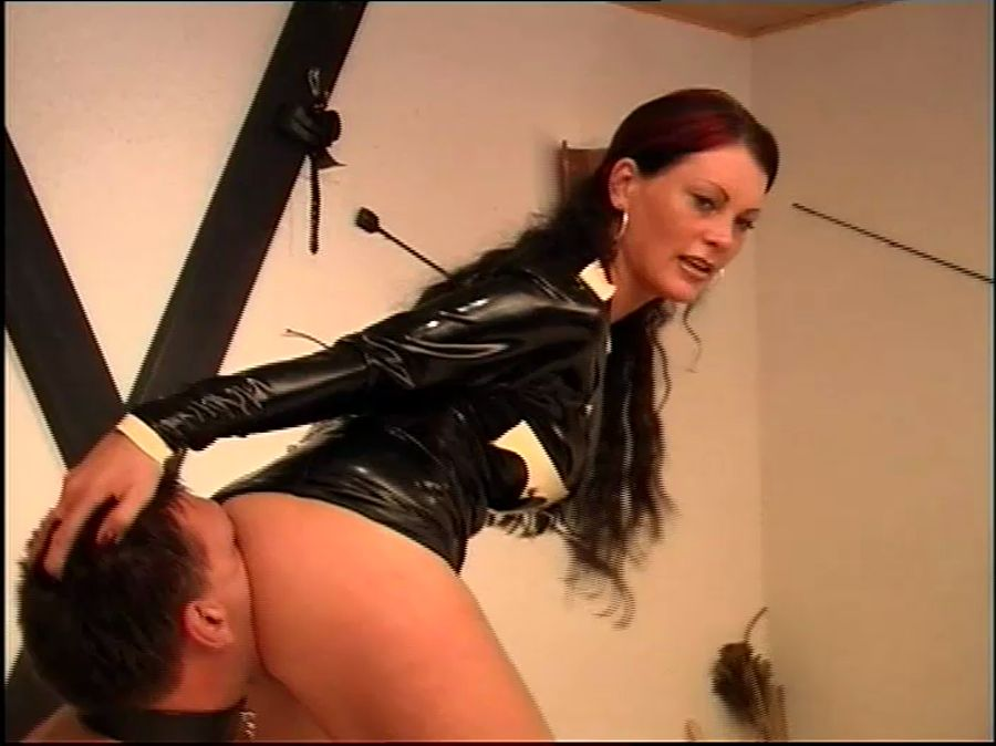Miss Cheyenne, Jean-Louis - Lebenslaenglich Teil 1 (Femdom, Germany, Latex) - MTS-TV [DVDRip]