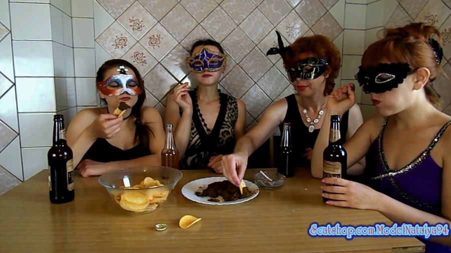 Threesome Scat: The morning Breakfast the four girls - (ModelNatalya94) [FullHD 1080p]