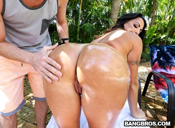 AssParade, BangBros: Julianna Vega - Stalking That Booty (Cumshot, Brunette, Big Tits, Milf) 480p