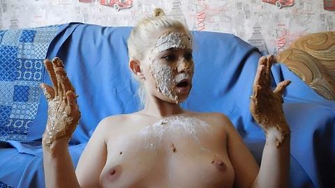 KatyaKass - Poop on face (FullHD 1080p)