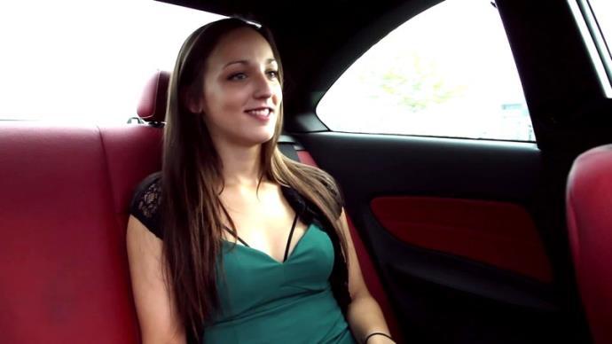 Mia - Mia, 20ans, des debuts palpitants [FullHD, 1080p]