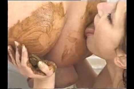 Fanny Steel - Two Friends In Bathroom (SD 480p)