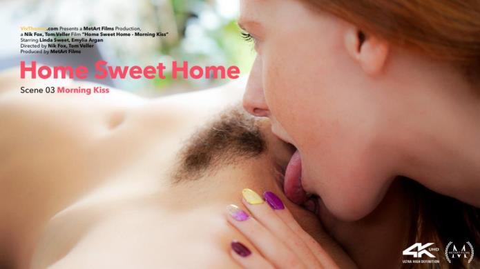 Home Sweet Home Episode 3 - Morning Kiss / Emylia Argan, Linda Sweet / 14-11-2018 [FullHD/1080p/MP4/1.18 GB] by XnotX