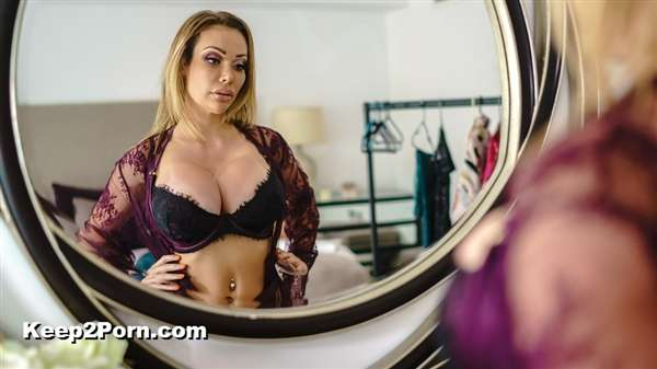 Chessie Kay - Dressing Room Poon [RealWifeStories, Brazzers / SD]
