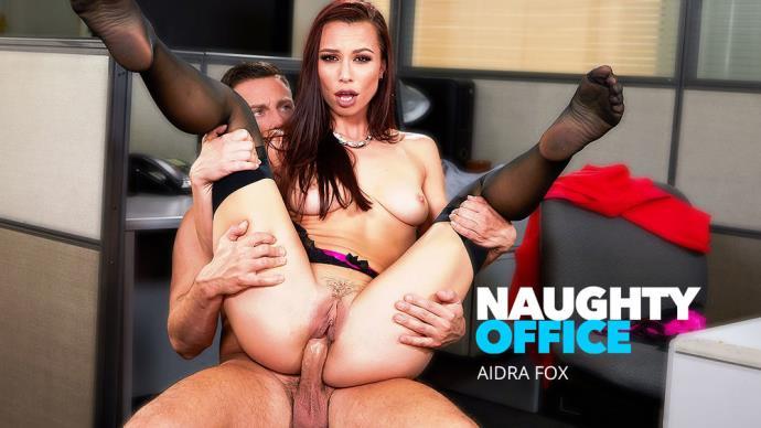 Aidra Fox - Aidra Fox Gets Fucked At The Office [HD, 720p]