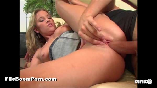 PinkoClub: Kelly Skyline - Takes Care Of Herself With A Big Fuck With The Psychoanalyst [SD/406p/409 MB]