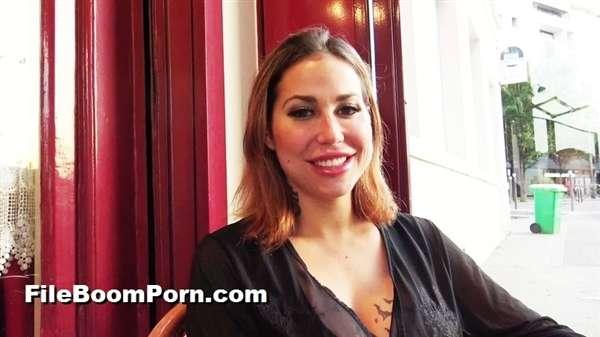 JacquieEtMichelTV, Indecentes-Voisines: Heidi - Heidi, 27ans, a des envies de blacks [FullHD/1080p/1.11 GB]