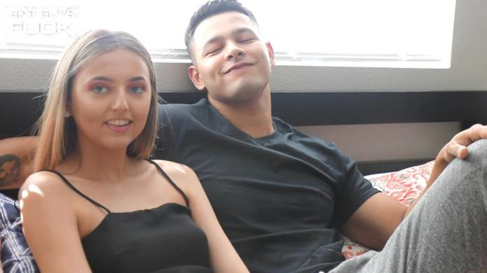 Noah Gato fucks 18 years old Nicole Kidd / Nicole Kidd / 21-11-2018 [FullHD/1080p/MP4/1.27 GB] by XnotX