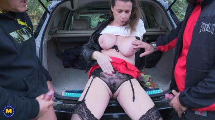 Eva Jayne EU (45) - Horny British housewife has an outdoor gangbang and gets fucked in both holes [FullHD, 1080p]