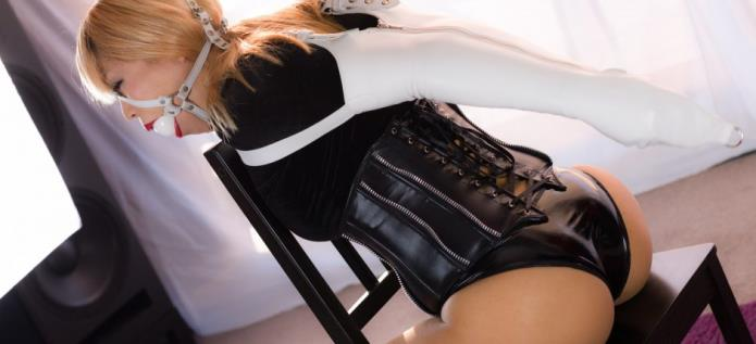 Black Velvet and PVC Panties / Mina / 15-11-2018 [FullHD/1080p/MP4/864 MB] by XnotX