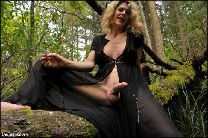 Delia TS - Through a Black Veil / Delia DeLions / 13-11-2018 [FullHD/1080p/WMV/664 MB] by XnotX