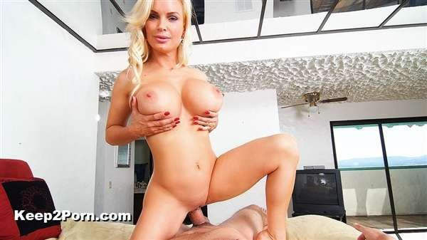 Diamond Foxxx - Hot Housewife Sucks Your Cock [Housewife1On1, NaughtyAmerica / HD]