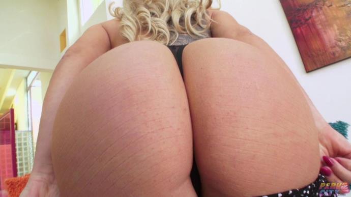Olivia Austin - Orgasmic MILF Olivia Austin Touches Herself [HD, 720p]