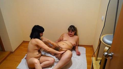Girl shit at each other and daubed by shit (FullHD 1080p)