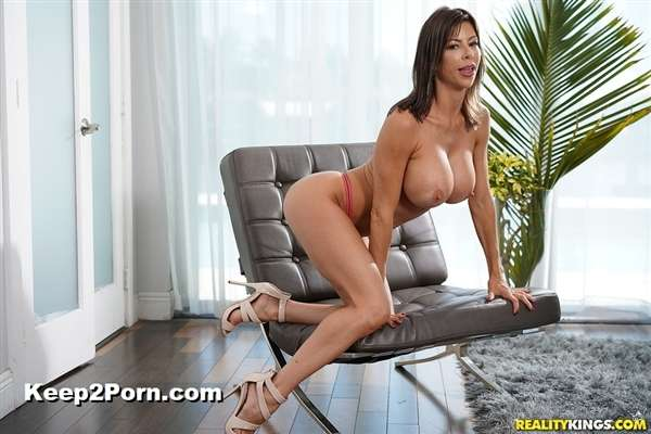 Alexis Fawx - My Neighbor Is A Squirting Nympho [MilfHunter, RealityKings / HD]
