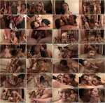 CumshotSurprise - Molly Bennett - Molly & Friends get Facialized (SD/400p/320 MB)