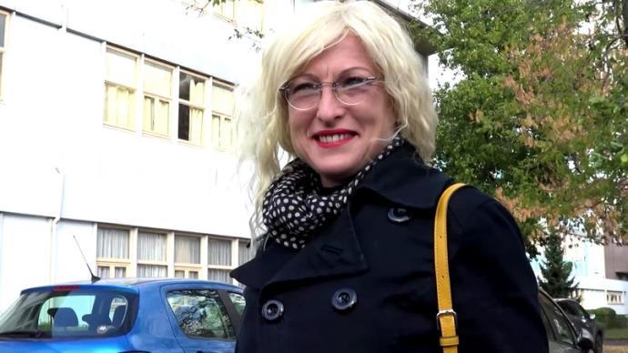 Alexia Chabault - A Blois (41) avec la prof de musique [FullHD, 1080p]